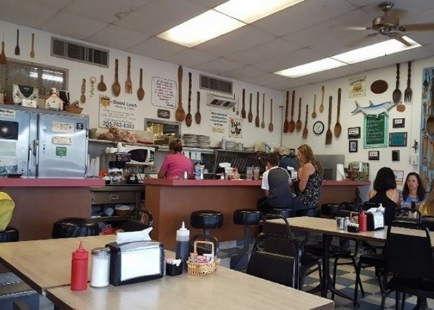 Sea Isle Dining - The Wooden Spoon